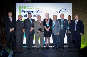 el 1er Curso Avanzado en Prevención del Cáncer contó con expositores de alto nivel como el Dr. Tabaré Vázquez, oncólogo radioterapeuta y político uruguayo, el Dr. Elmer Huerta, Dr. Luis Pinillos y el Dr. Carlos Vallejos